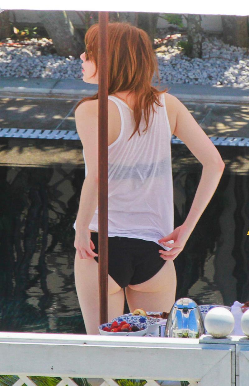 Emma Stone 2014-11-09 AssAssin bikini 02 (AlKHall AssAssin)